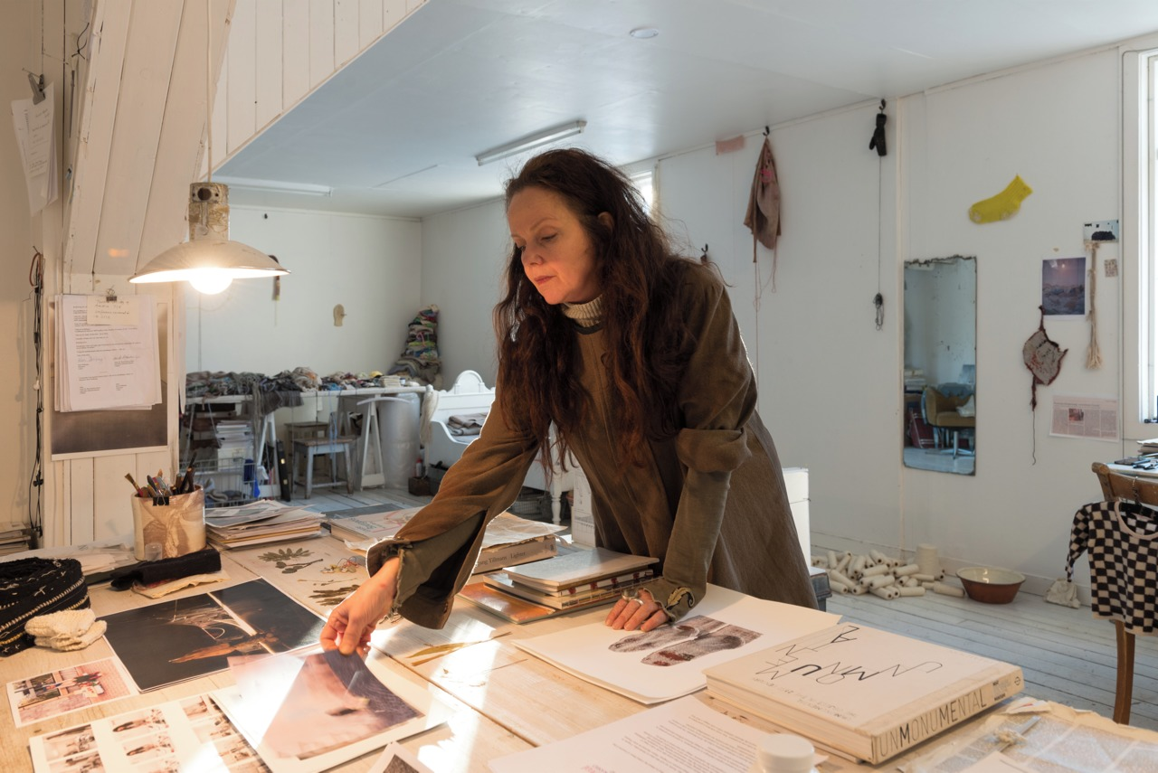 Kari Steihaug in her studio at Hovedøya. Photo by Thomas Tveter.